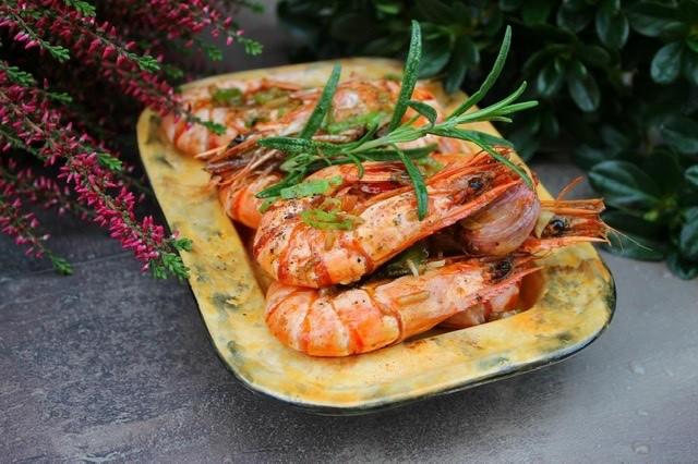 Tygří krevety na česneku