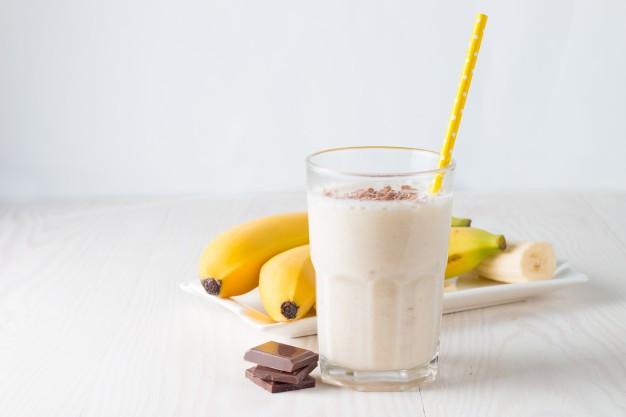 Osvěžující banánový koktejl