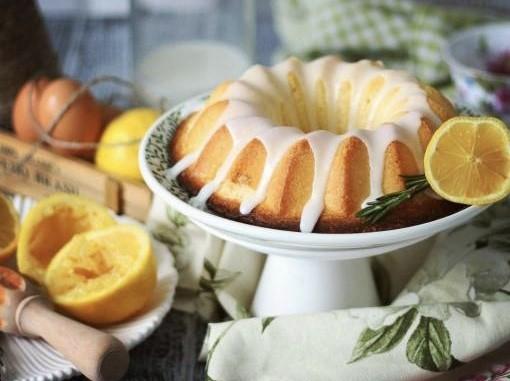 Nadýchaná citronová bábovka